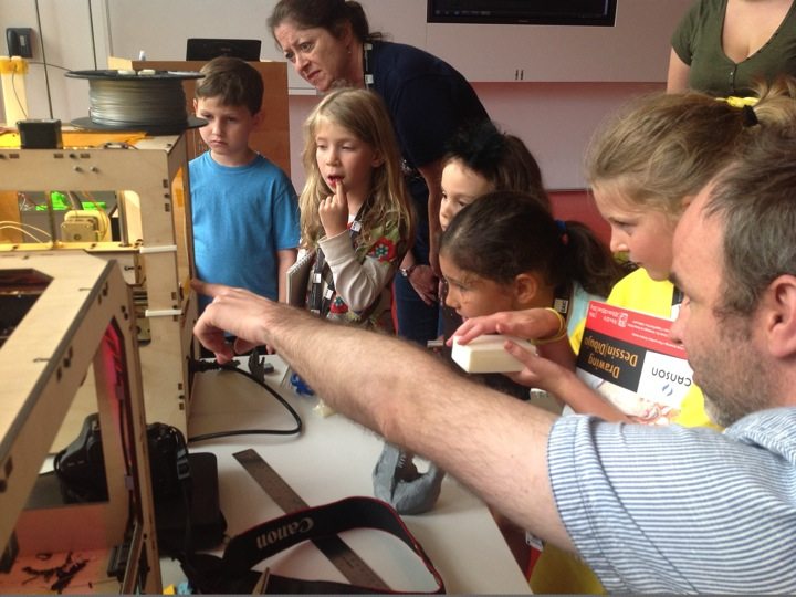 Figure 6: Kids at enjoying a lesson in 3D printing at the Art Institute of Chicago